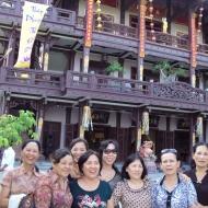Oanh Ban Ly Huyen Chi Tuyet Du Yen
